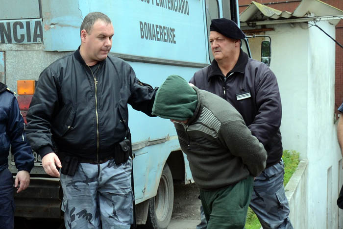 Le otorgaron prisión domiciliaria al militar que violó a su hija