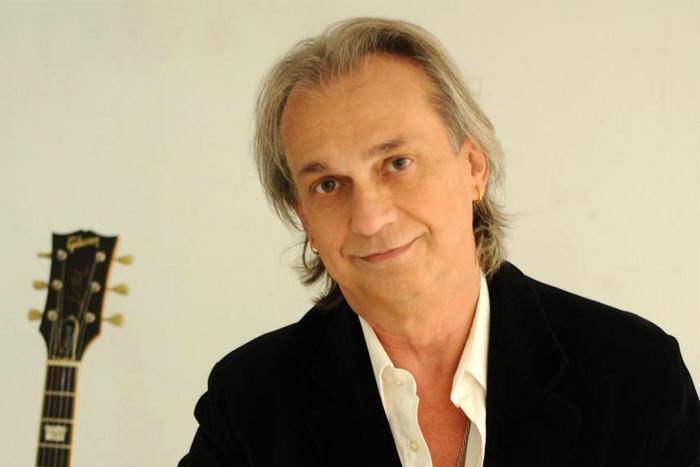 """David Lebón presenta """"El Tiempo es Veloz"""" en Mar del Plata"""
