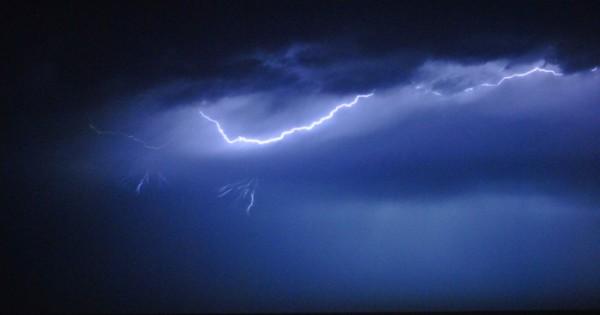 Tras el intenso calor, alerta por tormenta eléctrica y granizo