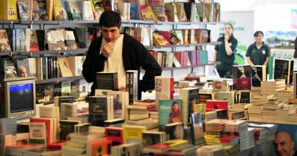 Un estímulo a las producciones literarias locales