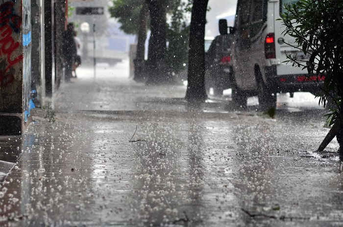 Tras el calor, intensa lluvia y caída de granizo en algunas zonas