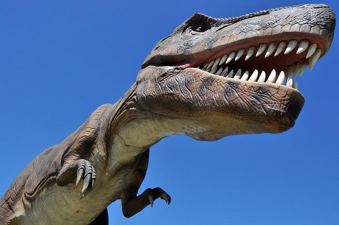 Dinosaurios, Expo Industria y música en la Base Naval