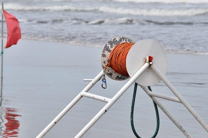 En una playa del sur otro joven desapareció al meterse al mar