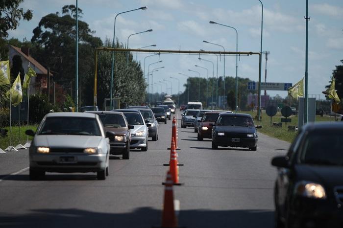 Cerca de 8 mil vehículos arribaron este sábado a la ciudad