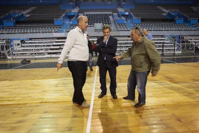 Pulti y Robles recorrieron el Polideportivo