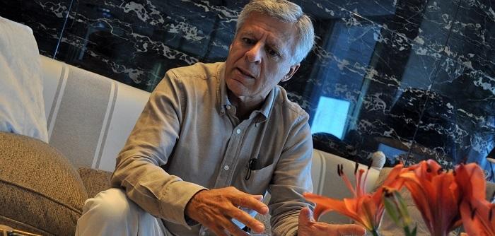 """""""Argentina padece enfermedades y debería tener un gran médico"""""""