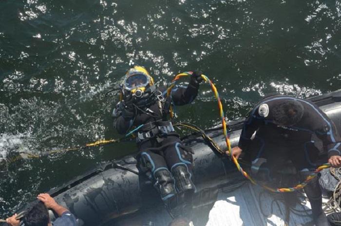 No hallaron a los marineros en el interior del buque hundido