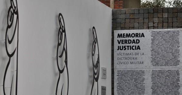 """""""Abrazos sanadores"""", un monumento a la lucha y a la vida"""