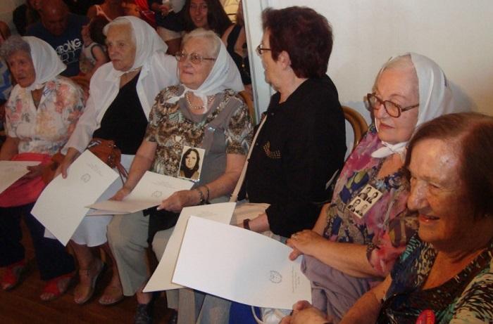 Mujeres en lucha: homenaje a Madres y Abuelas de Plaza de Mayo