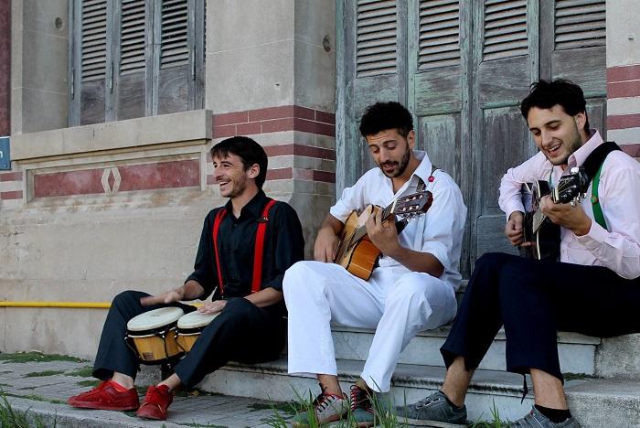 Viva el progreso, los locales teloneros del show Manu Chao
