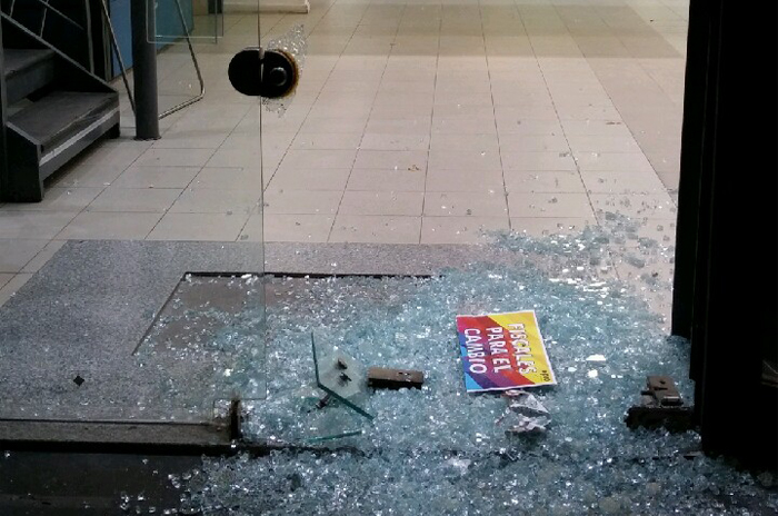 Destrozos y robo en el local partidario del PRO