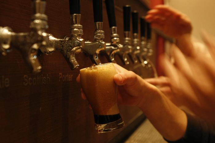 Cerveza artesanal: un recorrido de la fábrica al bar