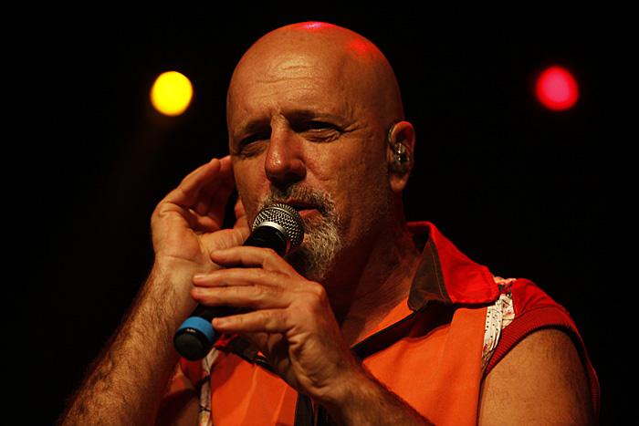 Gustavo Cordera: polémica y show en Mar del Plata