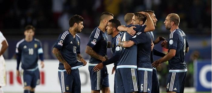 Argentina consiguió un triunfo sufrido ante Uruguay
