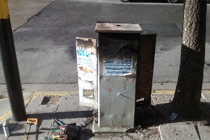 En un mes quemaron la caja de al menos tres semáforos del centro