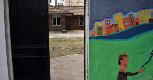 Escuela Especial Nº 512: el nuevo edificio, con filtraciones de agua