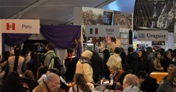La Feria de las Colectividades tuvo un 30% menos de visitas
