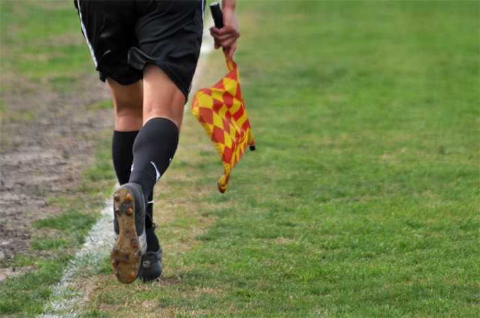 El Emder en off-side: árbitros denuncian que les deben $137 mil