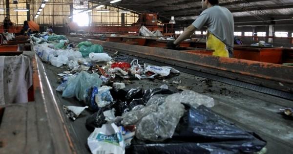 Crisis en CURA: los trabajadores pararon la planta de reciclado