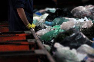 Cuarentena: tras dos meses, la cooperativa CURA reabrió la planta de reciclado
