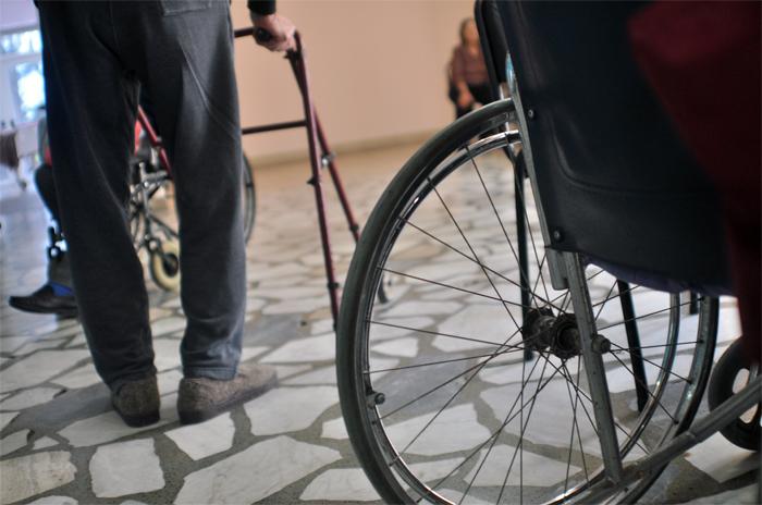Proponen crear un banco municipal de sillas de ruedas