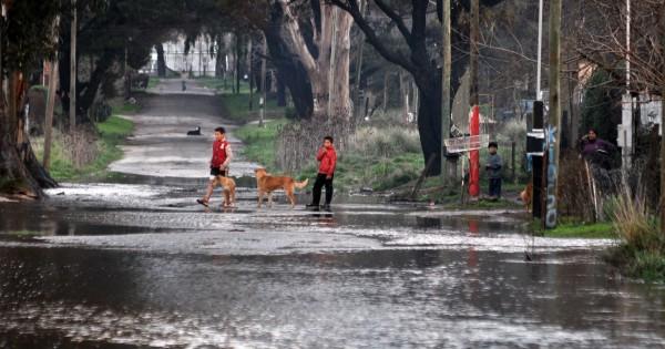 Parque Hermoso: varias familias se autoevacuaron en un comedor