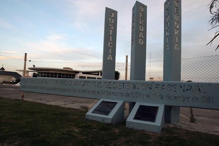 Megacausa Base Naval: otros nueve imputados irán a juicio