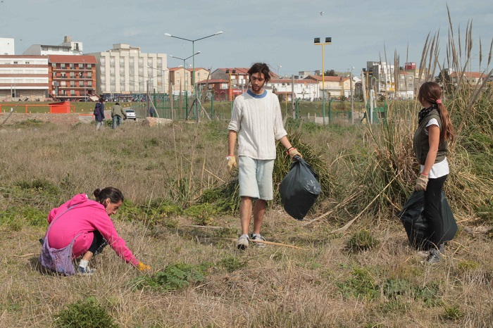 Reserva del Puerto: jornada de limpieza y reclamos para la Provincia