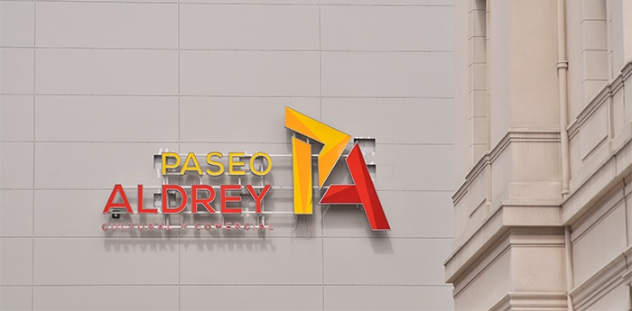 Aldrey Iglesias inaugura hoy su centro comercial