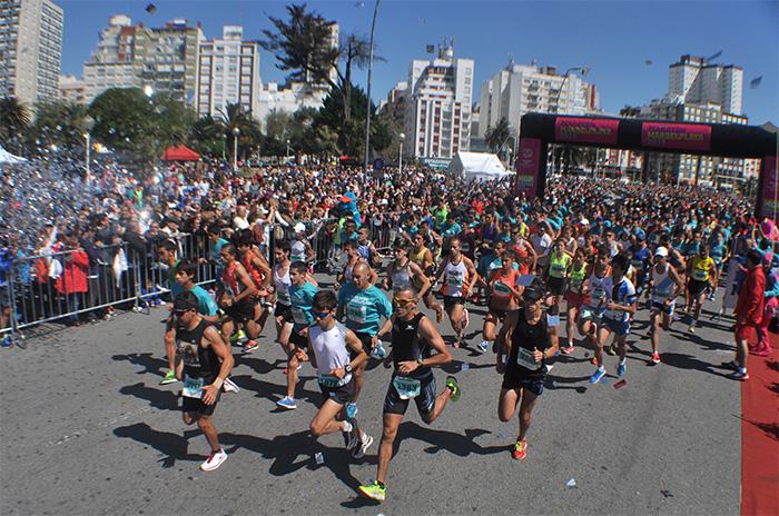 Maratón: tras la polémica, abren la inscripción en el natatorio