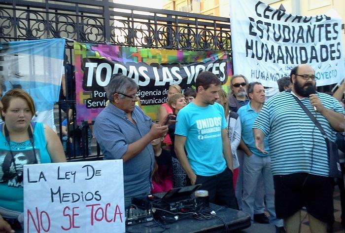 En defensa de la Ley de Medios, radio abierta y críticas para Macri