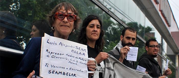 Escrache contra el represor Luis Alejandro Seambelar