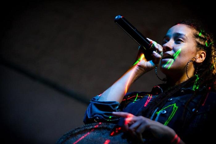 Alika, música consciente