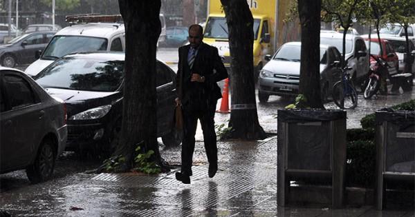 Alerta meteorológico por intensas lluvias en la ciudad