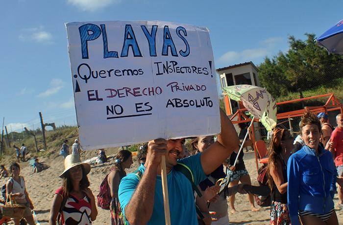 MARCHA EN DEFENSA DE LAS PLAYAS PUBLICAS 08