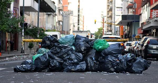 Arroyo, Moyano y la basura