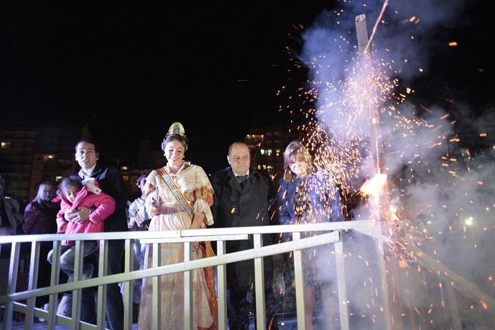 Foto MGP - Arroyo participó de la tradicional cremá del monumento fallero