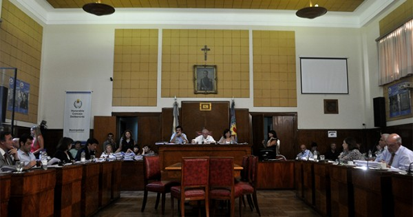 Descubiertos bancarios: la discusión llega al Concejo