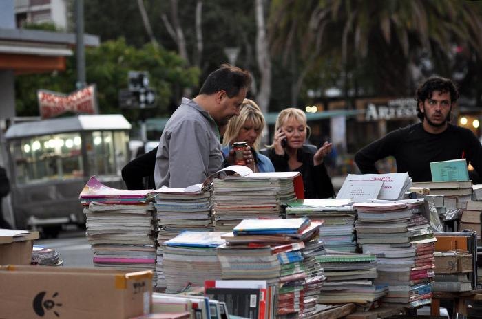 Feria de libros usados: textos 50% más baratos, canje y rarezas