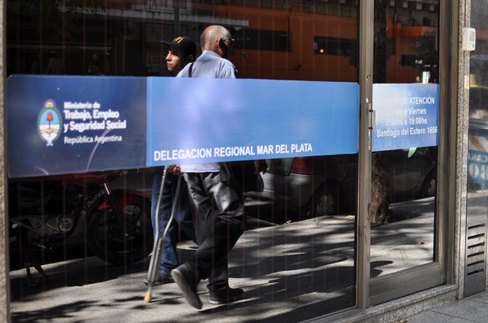 El desempleo se mantiene: media ciudad con problemas de trabajo