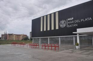 Polideportivos barriales: el Concejo convalidó el acuerdo por la deuda con las empresas constructoras