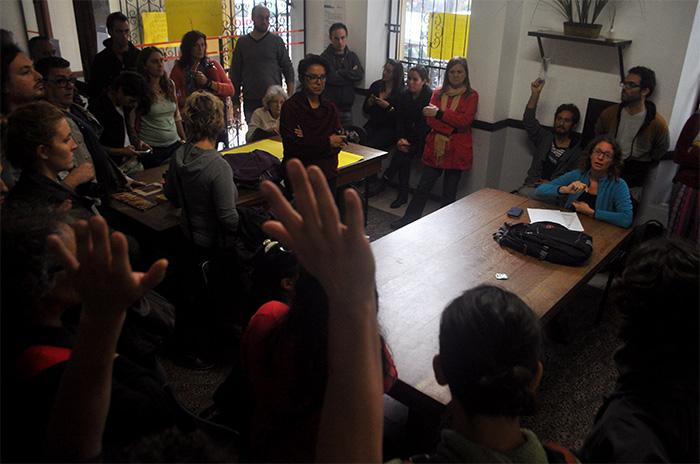 Artistas protestan en la Secretaría de Cultura