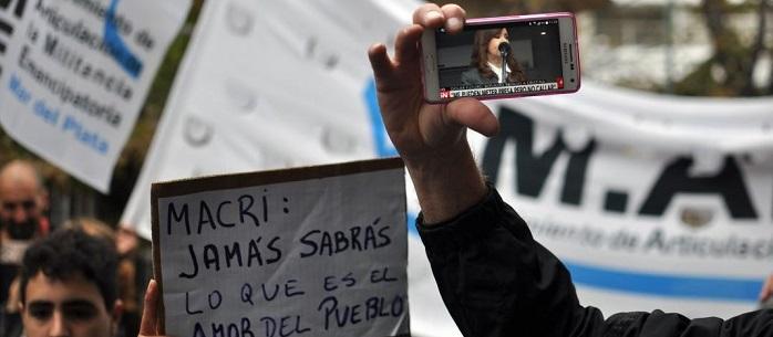 Marplatenses se manifestaron en apoyo a Cristina Kirchner