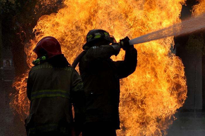 Bomberos en acción: la vocación detrás de las llamas
