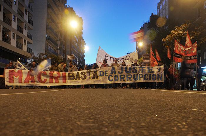 """Contra el ajuste y la corrupción, exigieron """"que Macri renuncie"""""""