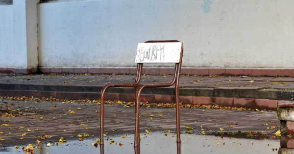 """Escuelas en crisis: """"Se ocupa el comedor para dar clases"""""""