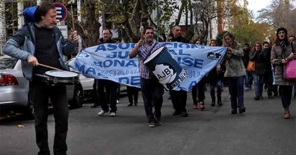 Trabajadores judiciales anuncian un paro por la paritaria