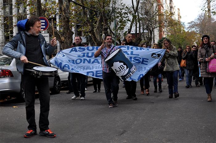 Miércoles de protesta: médicos, judiciales y bancarios