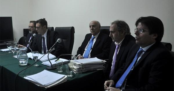 El gobierno formalizó la salida del juez Jorge Ferro
