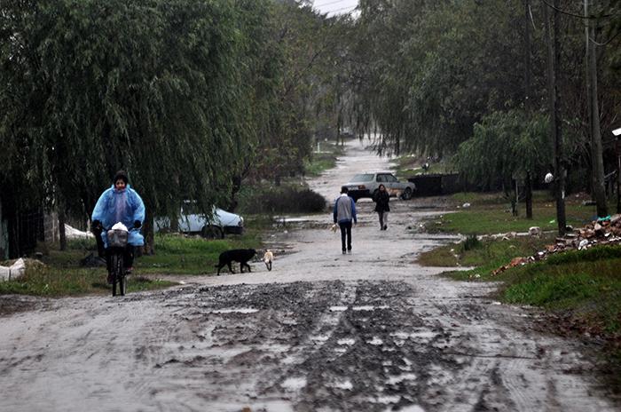 Por el temporal, todavía hay barrios sin luz y sin agua
